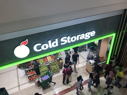 スーパーマーケットは、ドリアンを売っている以外は、アメリカのスーパーとほとんど変わらない