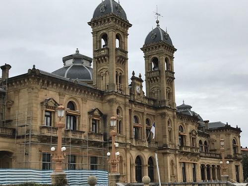 サンセバスチャン市内を散歩 昔の市庁舎